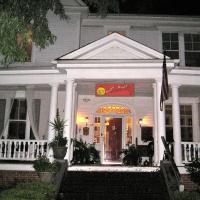 Inn Upon Moon River Plantation, hotel in Chester