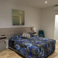 Time and Tide Hotel Motel, hotel in Collaroy
