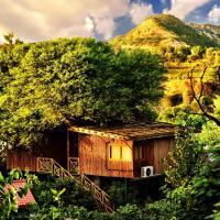 The Tree House Resort, hotel in Chandwaji