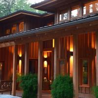 Shades of Jade Inn & Spa, hotel em Roberts Creek