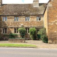 Castle Farm House B&B, hôtel à Corby