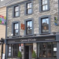 Quinlan & Cooke Boutique Townhouse and QCs Seafood Restaurant, hotel in Cahersiveen