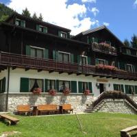 Casa Alpina Don Guanella, hotell i Macugnaga
