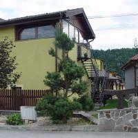Penzion Zlaty Orol, hotel in Helcmanovce