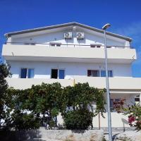 Apartment Mara, hotel in Primošten