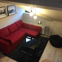 Two Level Apartment near Gondola