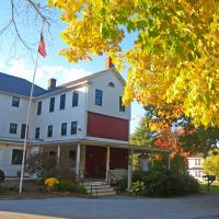 Woodbound Inn, hotel in Rindge