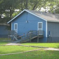 Virginia Landing Camping Resort Cabin 1, hotel in Quinby