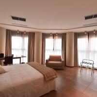 Tatì Hotel, hotell i Lugo