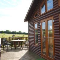 Fairview Farm Log Cabins & Holiday Accommodation set in 88 acres in Nottingham, отель в Ноттингеме