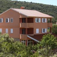 Apartments Milin, hotel in Božava