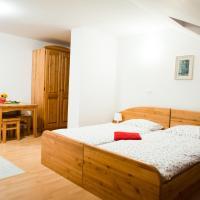 Turisticna kmetija Pri Malnarjevih, hotel in Postojna
