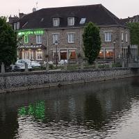 Le Lion Verd、Pont-Écrepinのホテル