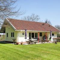 Scenic Holiday Home in Heino with Large Fenced Garden, hotel in Heino