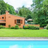 Cozy Holiday Home in Tessenderlo near the Forest, hotel in Zichemsveld