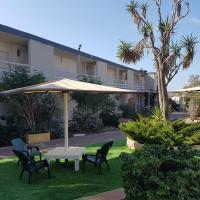 Q Village - Poleg Beach, hotel in Netanya