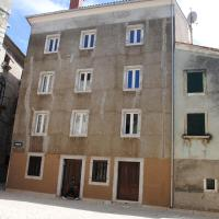 Rooms Piazzetta, hotel in Cres