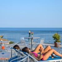 Albergo Pensione Riviera, отель в Майори