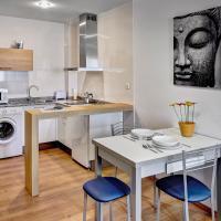 Apartamentos-Suites Los Arcos, hotel in Los Arcos