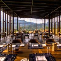 Santani Resort & Spa, hotel in Kandy