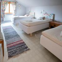 Mellangården, hotell i Västerbykil