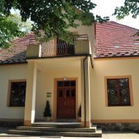 Dworek Bogdanka – hotel w mieście Trzebin