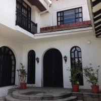 Mansion Samzara Hosteleria, hotel em Sangolquí