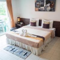 The Nice Patong Hotel, отель в Патонг-Бич