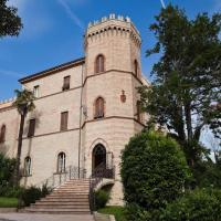 Castello Montegiove, Hotel in Fano