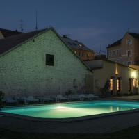 Studia a apartmány U Karla, hotel in Turnov