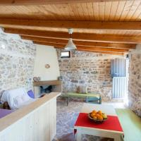 Traditional House, 500m from Organic Farm