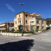 Meublé CA' RODI 3 Leoni, hotel a Crespano del Grappa