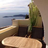 Romantic Hideaway Eze/ Monaco with spectacular sea view、エズのホテル