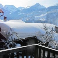 Ferienwohnung Graubünden/ Castiel, hotel in Castiel