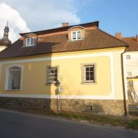 Guest House U Zlatého Jelena, hotel in Žinkovy
