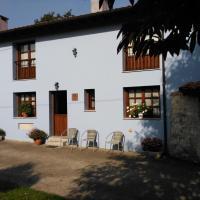 Casa Rural Casa Azul, hotel en Villahormes