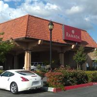 Ramada by Wyndham Fresno North, hotel in Fresno