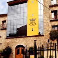 Hotel Restaurante Verdia, hotel in Sueras
