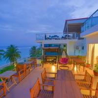 هاثا بيتش المالديف، فندق في هولهومالي