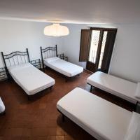 Albergue Rosalia / Pilgrim Hostel, hotel in Castrojeriz