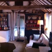 The Studio @ Great Streele Cottage, hotel in Uckfield