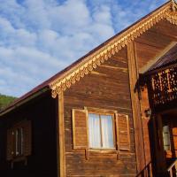 Guest House Usadba Okhotnika, hotel in Bol'shoye Goloustnoye