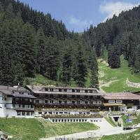 Sport Hotel Pampeago, hotel in Tesero