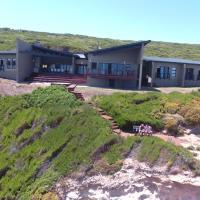 Farmhouse On The Rocks, hotel in Stilbaai