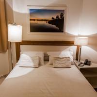 Hotel Bizzon, отель в городе Жекие