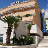 Hotel Rosina, hotel v Makarski