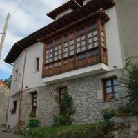 Casa Rural Maribel II, hotel in Cue
