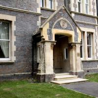 Sherborne House, City Centre Victorian Apartments, hotel in Basingstoke