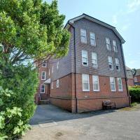 Nice Apartment in Deal Kent with Parking
