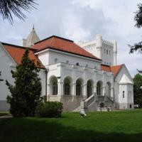 Dvorac Fantast, hotel in Bečej
